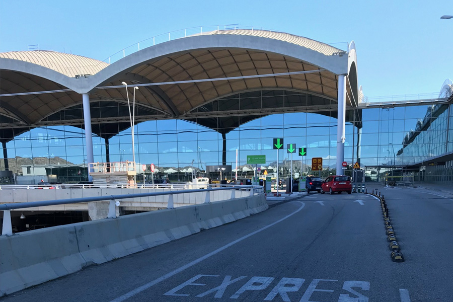 Where to find 1-parking at the Alicante Airport
