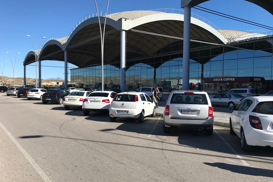 Get your car at the Alicante Airport - Parking